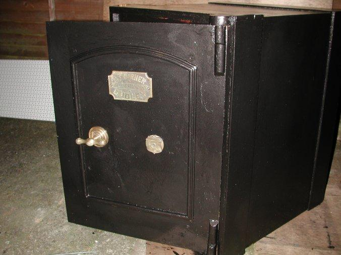 safe20finished 1 - S. Griffiths & Sons Safe. Anyone know the age? Co. Histo