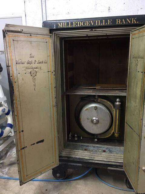 One Cool Victor Safe