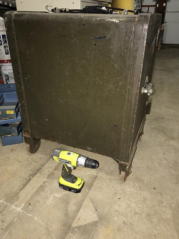 33066989144 6b9095f22e C 1   Old Floor Safe  Help ID And Have A Few  Questions
